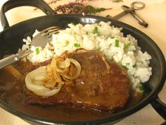 Rostenka bol najslavnostnejsi obed mojej starej mamy, ked bola moja mamicka este… Rostenka was my grandmother's most solemn dinner when … Best Liver Detox, Liver Detox Cleanse, Liver And Onions, Eastern European Recipes, Modern Food, Onion Recipes, Stew, Curry, Food And Drink