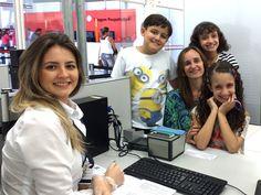 """#cidadania em #dosetripla: os trigêmeos Laís, Luísa e Vinicius foram com a mãe Renata visitar a avó em Tupã e aproveitaram para ir juntos ao Poupatempo tirar o RG.  Confira todas as informações sobre a Carteira de Identidade no """"Guia de Serviços"""" pelo SP Serviços ou em nosso portal: https://www.poupatempo.sp.gov.br/"""
