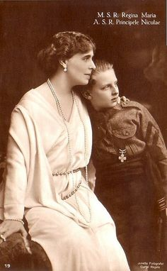 Königin Marie von Rumänien mit Sohn Nicolae, Queen of Romania nee Princess of Edinburg 1875 – 1938