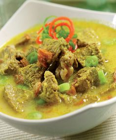 Feed your mind, body, and soul to a happier life. Indonesian Food Traditional, Indonesian Cuisine, Indonesian Recipes, Javanese Recipe, Fun Cooking, Cooking Recipes, Mie Goreng, Asian Recipes, Healthy Recipes