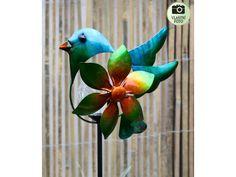 Zápich s větrníkem a solární lampičkou. Parrot, Bird, Animals, Parrot Bird, Animales, Animaux, Birds, Animal Memes, Animal