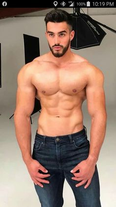 Jeans, Male Beauty, Upper Body, My Man, Cute Guys, Bellisima, Sexy Men, Bodybuilding, Handsome