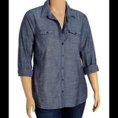Button down chambray shirt Good condition Tops Button Down Shirts
