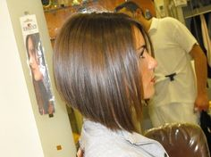 angled bob..seriously tempted to cut my hair like this again.