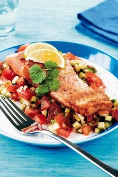 Paistettu lohi ja kurkku-tomaattisalsa | K-Ruoka #kala #meksiko