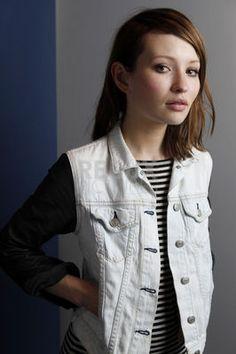 Emily Browning #Australia #celebrities #EmilyBrowning Australian celebrity Emily Browning loves http://www.kangadiscounts.com