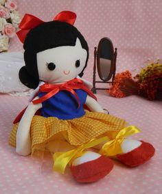Boneca Mabe - Branca de Neve