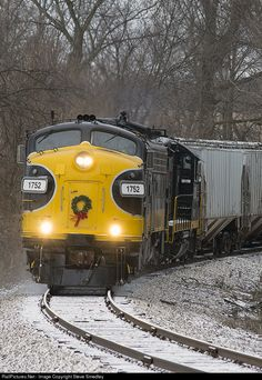 RailPictures.Net Photo: PREX 1752 Keokuk Junction Railway EMD FP9 at Glasford, Illinois by Steve Smedley