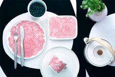 marimekko(マリメッコ)Kurjenpolvi(クルイェンポルヴィ) 日本限定カラー ピンク Marimekko, Nordic Design, Scandinavian Design, Pretty In Pink, Dinnerware, Clay, Plates, Ceramics, Table Decorations
