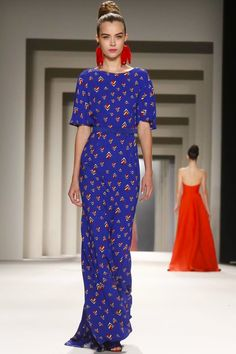 Carolina Herrera Ready To Wear Fall Winter 2014 New York - Eccentric glamour. I adore 30s silhouettes with colorful prints; they keep things fun and interesting.