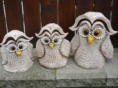 PTÁCI A ZAHRADNÍ DEKORACE Clay Birds, Cement, Owls, Baby Shoes, Sew, Sculpture, Garden, Fabric, Ideas