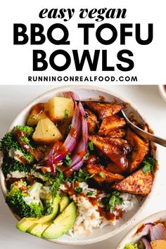 Easy and delicious, 6-ingredient vegan bowls featuring bbq tofu, steamed broccoli, roasted red onion, brown rice and pineapple for a fresh and flavourful meal you'll love. Vegan Barbecue, Bbq Tofu, Healthy Vegan Breakfast, Healthy Eating, Vegan Recipes Easy, Real Food Recipes, Make Ahead Lunches, Steamed Broccoli, Vegan Meal Prep