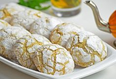 Cookies with sesame Ghriba cu susan Cookie Brownie Bars, Romanian Food, Italian Recipes, Biscuits, Sweets, Bread, Cheese, Vegetables, Breakfast