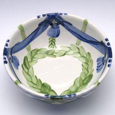 Alle Schüsseln der Familie VertBleu! Die Grün-Blaue Designfamilie von Unikat-Keramik. Das wohl einzigartigste Keramik Geschirr der Welt! Serving Bowls, Tableware, Design, Dishes, World, Blue, Dinnerware, Design Comics, Mixing Bowls