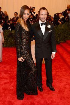 Todas las fotos de celebrities y de alfombra roja de la gala del MET 2013: Tom Ford y Joan Smalls