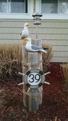 11 address sign ideas that'll make neighbors stop in admiration - Nautic - nautical lawn piling with seagulls solar light and address plaque, curb appeal, diy Best Picture Fo - Beach Crafts, Diy Crafts, Recycled Crafts, Arte Pallet, Deco Marine, Cedar Posts, Address Plaque, Address Signs, House Address