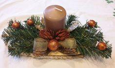 Vánoční dekorace na stůl - březové prkýnko,umělé větvičky,dekorováno do měděné barvy (A+A) Candles, Table Decorations, Christmas Decor, Xmas, Candy, Candle Sticks, Dinner Table Decorations, Candle
