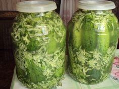 Лучшие рецепты вкуснейших огурцов в собственном соку на зиму: попробуйте — не пожалеете! Preserves, Pickles, Cucumber, Mason Jars, Vegetables, Food, Homemade, Health, Canning