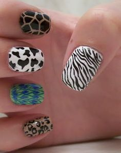 Animalistic nails I love the peacock one!