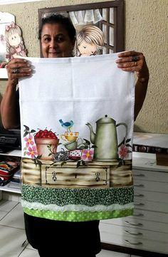 pintando en la cocina Stencil Painting, Fabric Painting, Diy And Crafts, Arts And Crafts, Fabric Paint Designs, Reclaimed Wood Frames, Tole Painting Patterns, Detail Art, Diy Canvas
