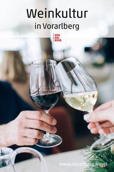 Der Weinbau in Vorarlberg ist verteilt am See und am Berg, die Winzer bauen die verschiedensten Rebsorten an und verkaufen teils ab Hof, im eigenen Heurigen oder Gasthof, online und/oder in regionalen Supermärkten. Die Geschichte der Weinkultur in Vorarlberg und Tipps für Weingüter in der Region. Red Wine, Alcoholic Drinks, Berg, Restaurant, Food, Handmade Chocolates, Good Food, Food Dinners, Culture