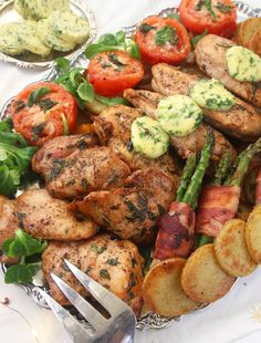 Amazing Food Decoration, Filets, Brunch Party, Vegetable Dishes, I Love Food, Tandoori Chicken, The Best, Chicken Recipes, Dinner Recipes
