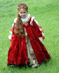 Old Fashioned Clothes : Italian Renaissance children's dress Italian Renaissance children's dress Renaissance Mode, Renaissance Costume, Medieval Costume, Renaissance Fashion, Renaissance Clothing, Medieval Dress, Italian Renaissance, Historical Costume, Historical Clothing
