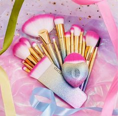 New Fantasy Brushes Collection Beauty Make Up Brushes Top Synthetic Hair Rainbow Hand Best Gift For Women Wand Makeup Brushes, How To Clean Makeup Brushes, How To Apply Makeup, Makeup Brush Price, Makeup Brush Set, Eyebrow Brush, Cute Makeup, Simple Makeup, Cheap Makeup