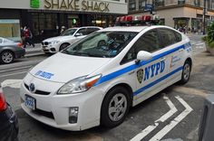 Police Uniforms, Police Officer, Emergency Vehicles, Police Vehicles, Fbi Car, Old Police Cars, New York Police, Air New Zealand, Toyota Prius