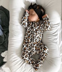 Best Indoor Garden Ideas for 2020 - Modern Cute Baby Girl, Cute Babies, Baby Girl Fashion, Kids Fashion, Cheetah Clothes, Baby Cheetahs, Cute Baby Pictures, Baby Kids Clothes, Baby Time