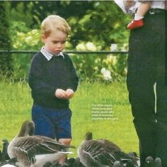 New photos of George, Charlotte and Nanny Maria at a park. #PrinceGeorge
