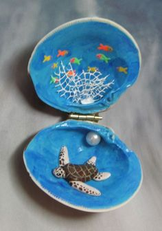 Clam Shell Sea Turtle Fish  Hand Painted