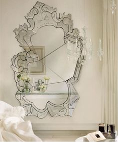 How to Hang a Modern Mirror? The Best Interior Design Tips #livingroominteriordesign #moderninteriordesign #diningroominteriordesign wall mirror   See more at https://brabbu.com/blog/2016/04/how-to-hang-a-modern-mirror-the-best-interior-design-tips