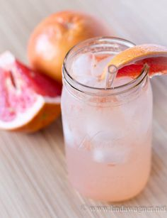 Delicious Low Cal Flavored Water Recipes that help with weight loss!