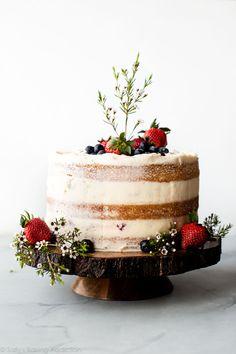 How to make a beautiful naked cake with fresh berries, vanilla cake, and vanilla. How to make a beautiful naked cake with fresh berries, vanilla cake, and vanilla… – Food Cakes, Cupcake Cakes, Baby Shower Cakes, Wedding Shower Cakes, Shower Baby, Bridal Shower, Funfetti Kuchen, Nake Cake, Homemade Vanilla Cake