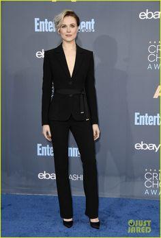 Kerry Washington & Evan Rachel Wood Walk the Blue Carpet at Critics' Choice Awards 2016