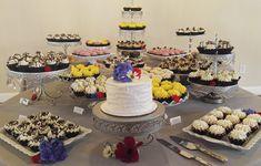 GlassDisplay Elegant Desserts, Unique Desserts, Delicious Desserts, Dessert Stand, Dessert Tables, Gourmet Cupcakes, Cheesecakes, Cookies, Sweet