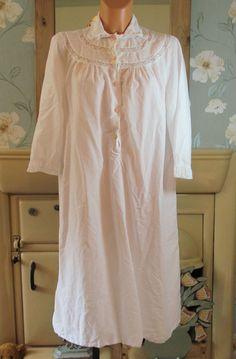 Vintage white Victorian style sissy nightgown nightshirt nightie L/XL R13400