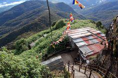 Ascension Adam's Peak – Voyage aventure au Sri Lanka Voyage Sri Lanka, Adam's Peak Sri Lanka, L Ascension, Tours, Holiday, Travel, India, Spiritual, Adventure