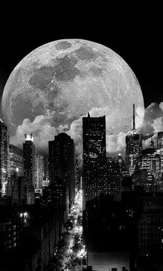 Image shared by Evanescent Moon. Find images and videos about night, city and moon on We Heart It - the app to get lost in what you love. Night Sky Wallpaper, Black Phone Wallpaper, Black And White Wallpaper, Scenery Wallpaper, Black Aesthetic Wallpaper, Black And White Aesthetic, Aesthetic Colors, Aesthetic Wallpapers, Black And White Picture Wall