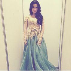 Beautiful kebaya dress used by beautiful lady ^^ .... Raisssaaaa