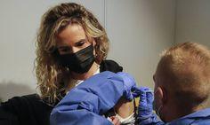 Πολλοί ηγέτες της ΕΕ επιδοκίμασαν το κάλεσμα των ΗΠΑ για την απελευθέρωση τωνπατεντώνγια τα εμβόλια Covid-19, προκειμένου οι φτωχότερες χώρες…Περισσότερα...