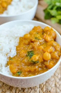 Slimming Eats Butternut Squash Chickpea Curry - dairy free, gluten free, vegan, Slimming World and Weight Watchers friendly Slimming World Vegetarian Recipes, Vegan Slimming World, Slimming Eats, Slimming World Recipes, Slimming Word, Vegetarian Meal, Sweet Potato Recipes, Veg Recipes, Healthy Chicken Recipes