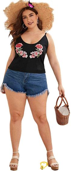 Women's Plus Size Contrast Lace Criss Cross V Neck Spaghetti Strap Cami Tank Top Women's Plus Size Contrast Lace Criss Cross V Neck Spaghetti Strap Cami Tank Top. Women's Plus Size Tops Striped Raglan Tee Shirts Casual Tunics Blouses New Curvy And Plus Size Women Outfit For Summer 2020. plus size clothing and all trending fashions for chubby and curvy girls. best outfits for plus size | plus sized fashion | style plus size | plus size outfits | womens fashion plus size | outfits plus size… Plus Size Jeans, Plus Size Tops, Plus Size Women, Jean Outfits, Cool Outfits, Raglan Tee, Tunic Blouse, Plus Size Outfits, Plus Size Fashion