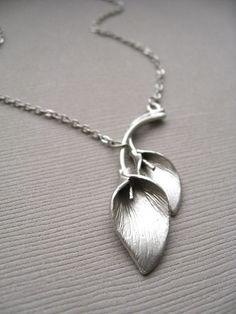 Calla Necklace (in Silver)