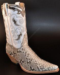 Bota cowboy Sendra para mujer hecha en auténtica piel de serpiente. / Sendra Boots ladies genuine snake skin cowboy boots: http://www.corbetosboots.com/p/Bota-cowboy-Sendra-piel-serpiente-para-mujer/es/1/1/161/0/