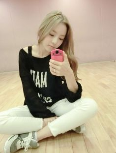 Goo Hara Takes a Break from Practice to Show Off Her New Pink Camera - Soompi