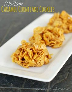 No-Bake Caramel Cornflake Cookies mit Zucker Brauner Zucker Mini Marshmallows Butter Vanille Cornflakes. Cornflake Cookies No Bake, Cornflake Candy, Cornflake Recipes, Caramel Cookies, Köstliche Desserts, Delicious Desserts, Dessert Recipes, Desserts Caramel, Bar Recipes