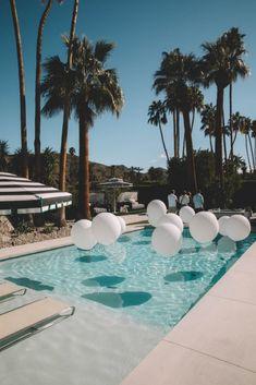 Pool Wedding Decorations, White Party Decorations, Wedding Favors, Party Favors, Wedding Ideas, Modernism Week, Tenerife, Dream Wedding, Wedding Things