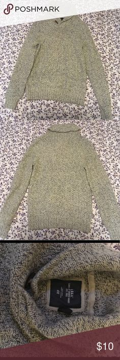 Perfect H&M Winter sweater Great condition only worn once!  If you have any question just let me know! H&M Sweaters